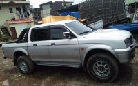 Mitsubishi pickup Endeavor 2000 for sale