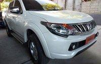 Selling White Mitsubishi Strada 2015 for sale in Manual