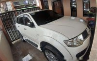 Selling White Mitsubishi Montero Sport 2012 Automatic Diesel at 100000 km