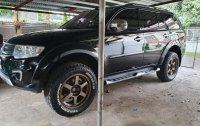Black Mitsubishi Montero 2015 for sale in Lipa City