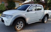 White Mitsubishi Strada 2011 for sale in Manual