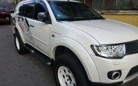 Selling White Mitsubishi Montero 2012 in Manila