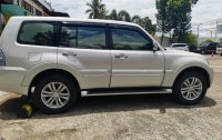 Sell White Mitsubishi Pajero in Mambusao