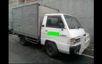Selling White Mitsubishi L300 1996 in San Juan
