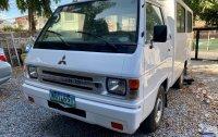 Selling White Mitsubishi L300 2013 in Manila