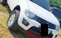 Selling Mitsubishi Strada 2011