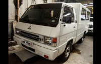 Selling Mitsubishi L300 2018 Van Manual at 76000 in Quezon City