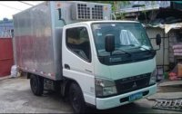 Selling White Mitsubishi Fuso 2012 in Manila
