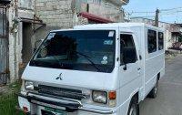 Selling White Mitsubishi L300 2012 in Las Piñas