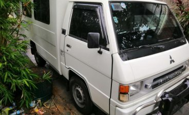 Selling White Mitsubishi L300 2014 in Cainta