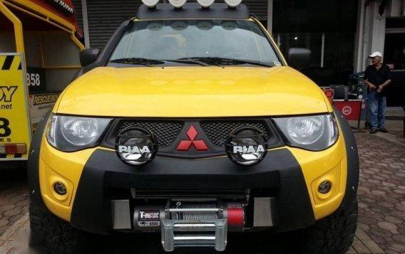 Selling Mitsubishi Strada 2007 in Makati