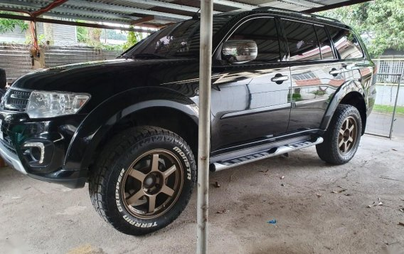 Black Mitsubishi Montero 2015 for sale in Lipa City