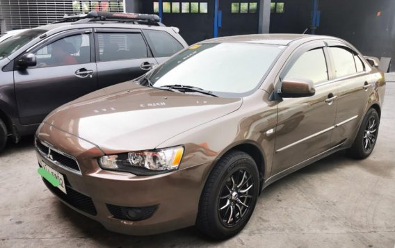 Selling Beige Mitsubishi Lancer in Parañaque