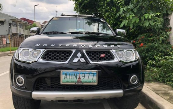 Black Mitsubishi Montero sport 2013 for sale in Manila