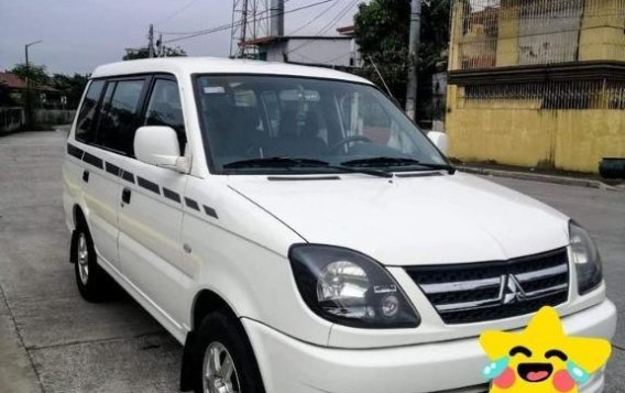 Selling White Mitsubishi Adventure 2014 in Las Piñas